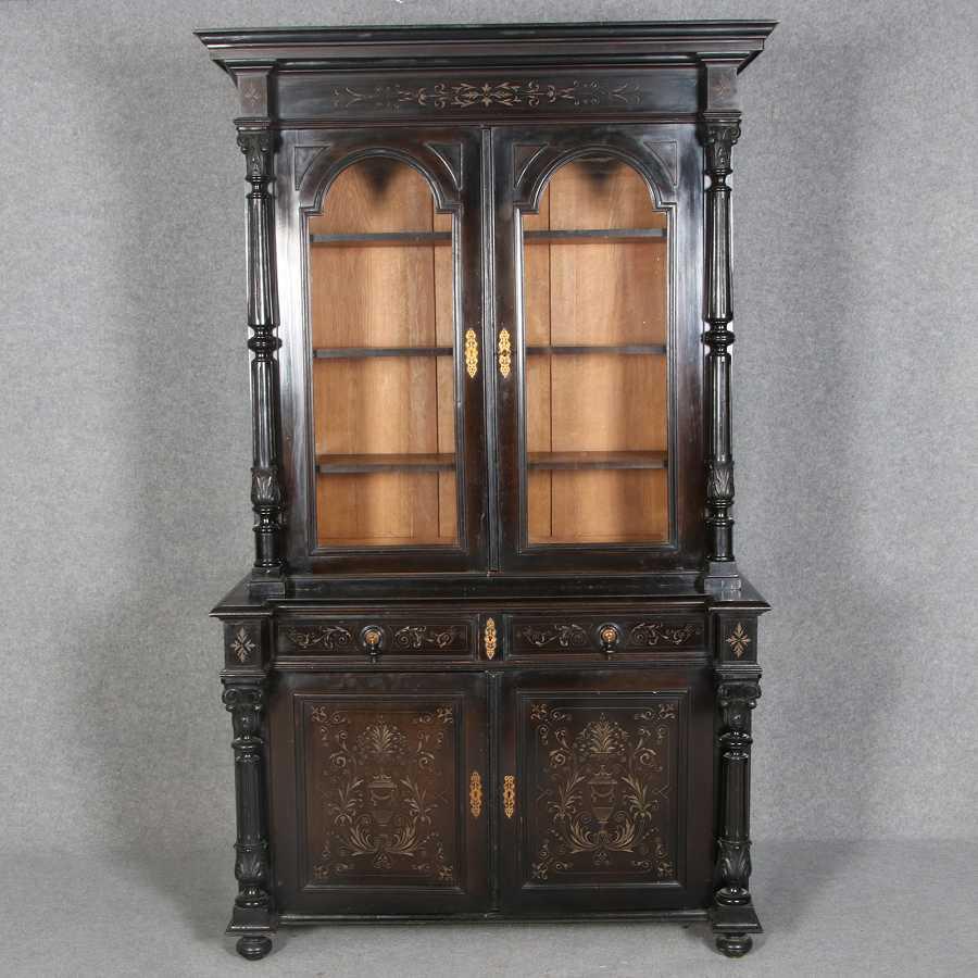 historismus aufsatzvitrine schwarz mit s ulen um 1880 1900. Black Bedroom Furniture Sets. Home Design Ideas